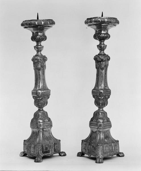 4 chandeliers