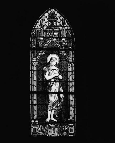 2 verrières à personnages : sainte Madeleine, saint Paul (baies 1 et 2)