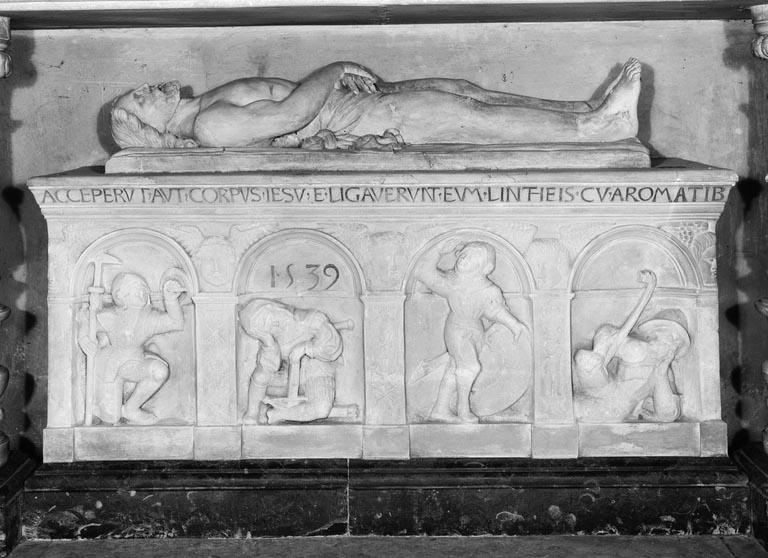 Gradin d'autel, groupe sculpté (sépulcre) : Christ au tombeau