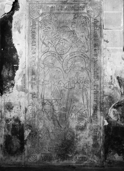 Dalle funéraire : de Charles de Mypont et Jeanne de Lugny