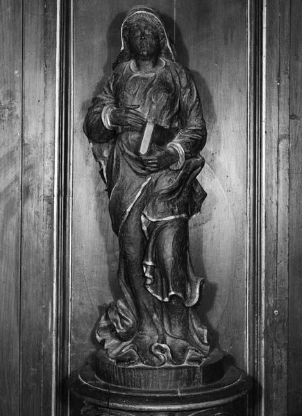 2 statues (demi-nature) : sainte au livre, sainte Catherine