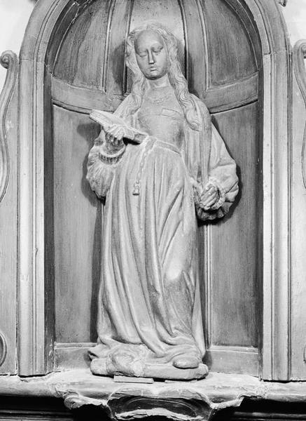 Statuette : sainte martyre au livre