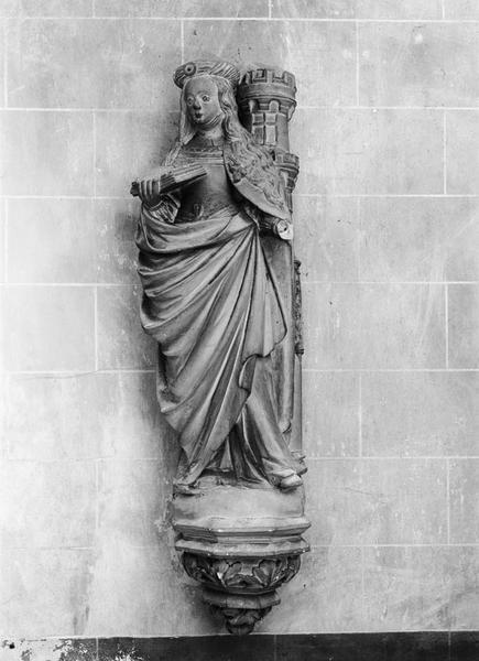 Statue (petite nature) : sainte Barbe