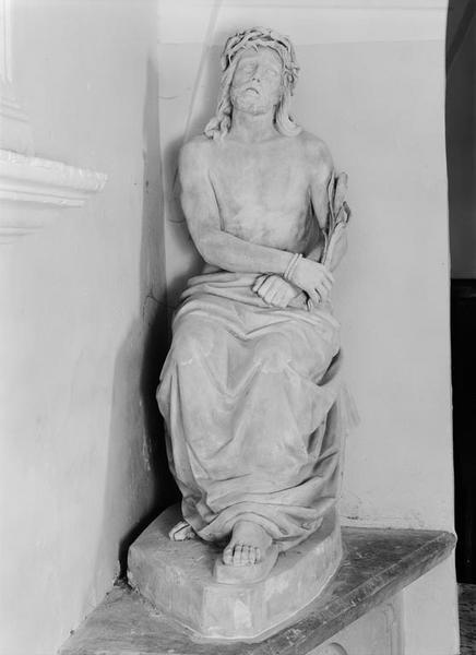 Statue (grandeur nature) : Christ de Pitié
