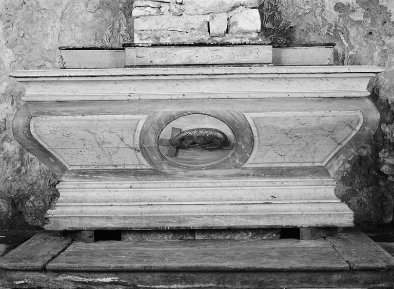 Autel (autel tombeau) (2)