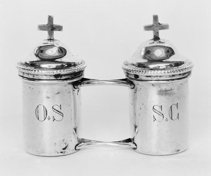 Boîte aux saintes huiles