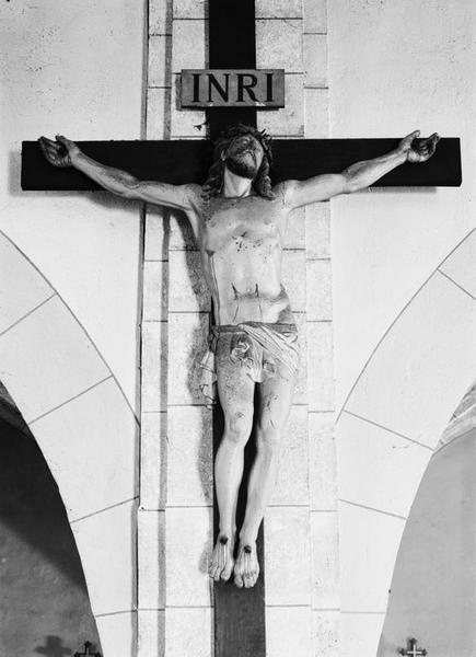 Croix (petite nature) : Christ en croix