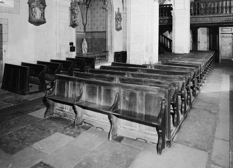 Bancs de fidèles : bancs d'église, 69 (série)