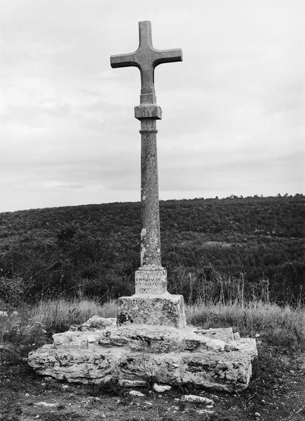 croix de chemin dite Croix de Choux
