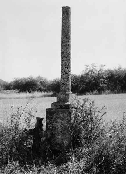 croix de chemin dite croix de Vollon