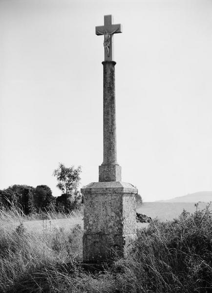 croix de chemin dite croix Flachot