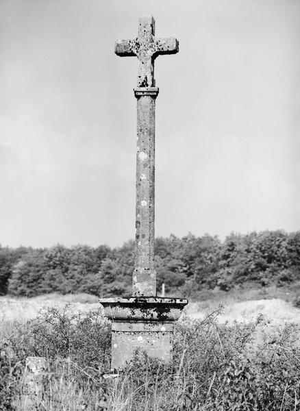 croix de chemin dite Croix Cadet