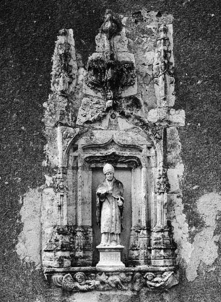 Niche, statuette (encastrée, décor d'architecture) : saint Mein