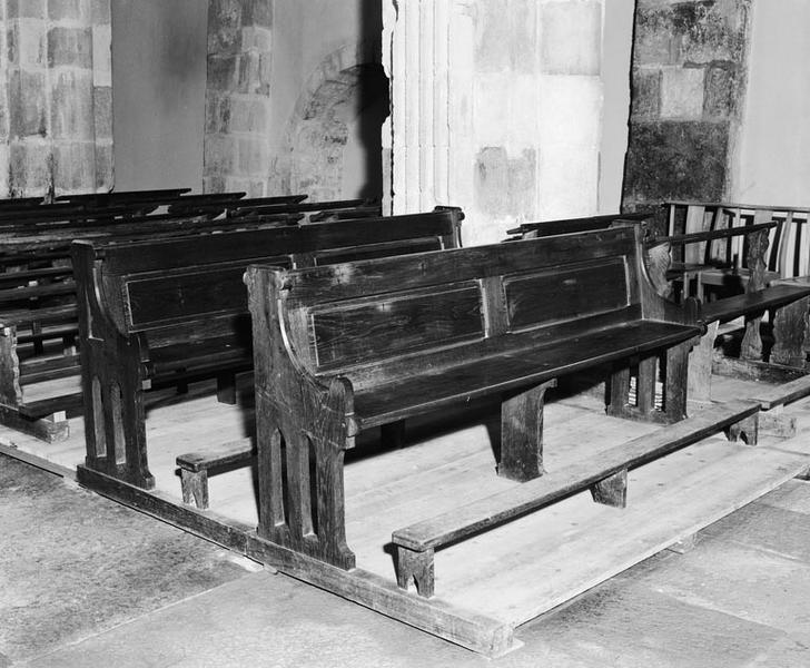Bancs de fidèles : bancs d'église (4, série), style néo-gothique