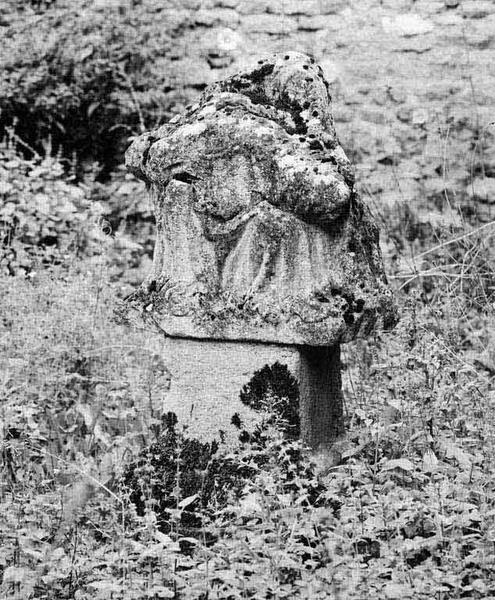 Statue : Vierge de Pitié