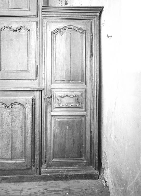 Deux placards de sacristie