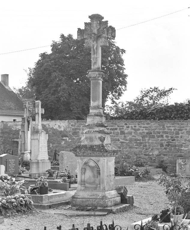 croix de cimetière (2ème)