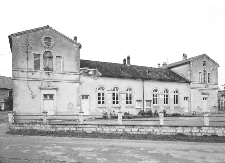 mairie-école de Meilly-sur-Rouvres et Rouvres-sous-Meilly