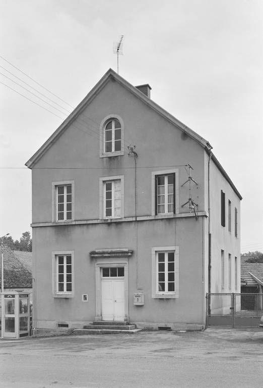 Ancienne mairie-école, actuellement poste