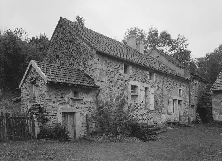 ferme et ancien moulin à eau