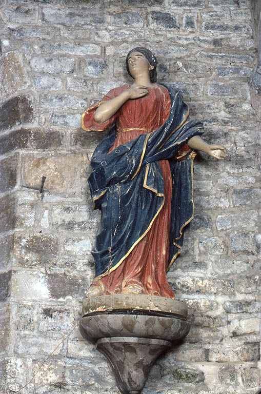 Statue : sainte Sabine