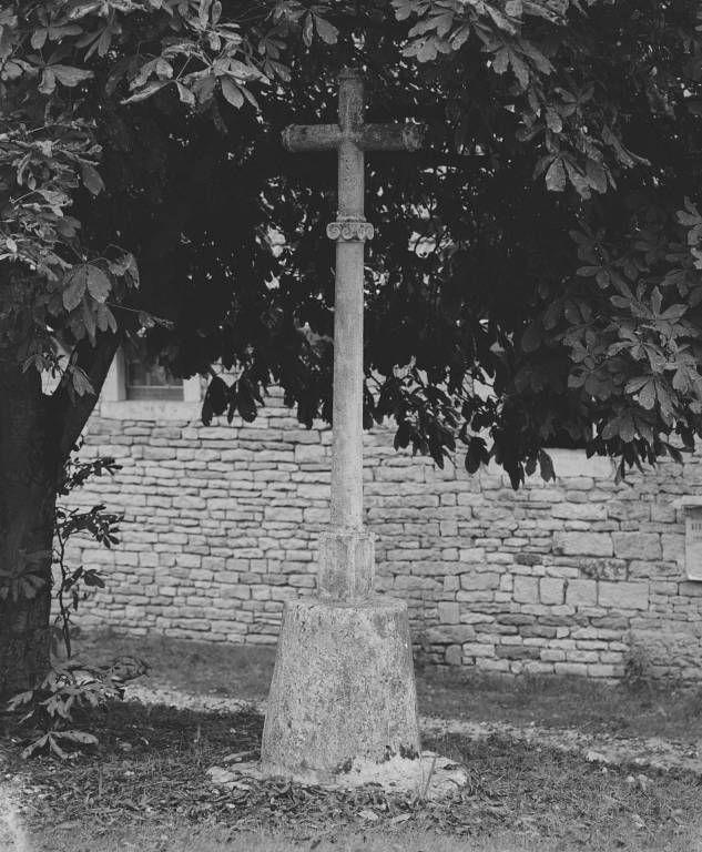 croix monumentale (croix de carrefour)