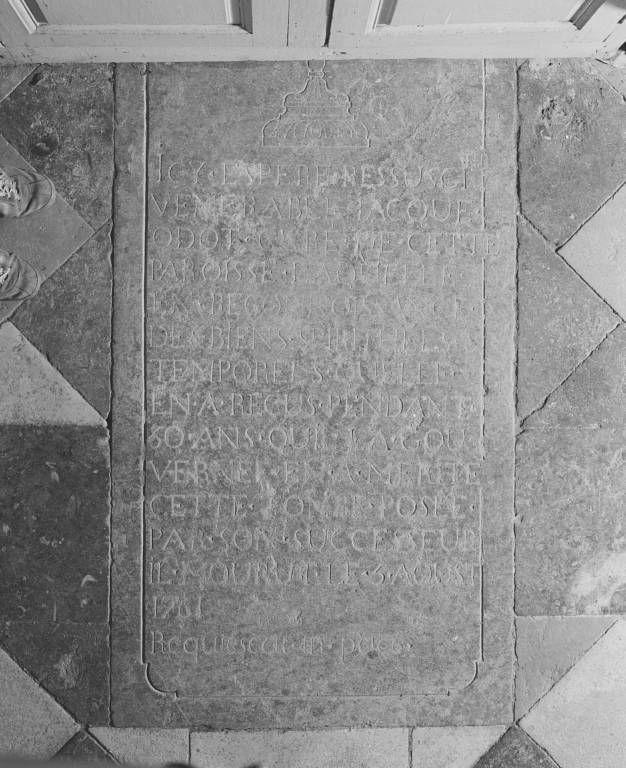 Dalle funéraire du curé Jacques Odot