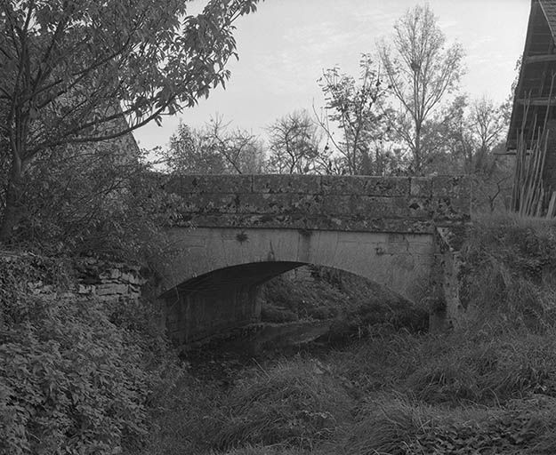 Pont sur le ruisseau de Blancey