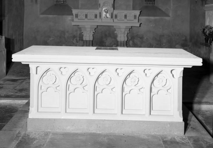 Autel (maître-autel, autel tombeau), style néo-gothique