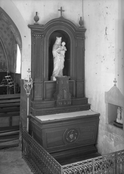 2 autels, 2 retables (en pendant, autel tombeau, retable architecturé à niche)