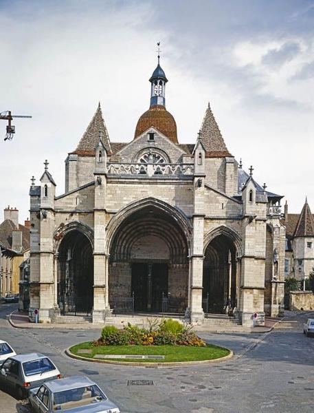 Collégiale Notre-Dame ; bâtiment conventuel ; cloître