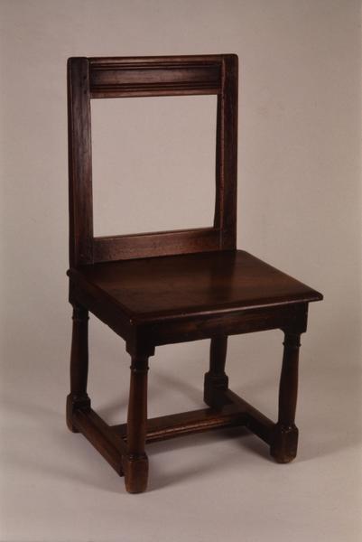 3 chaises (série) (2), numéro d'inventaire : 87 GHD 104.1