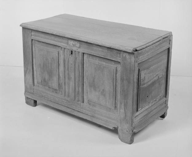 Coffre à vêtements (coffre plat, coffre à pieds) (7), numéro d'inventaire : 87 GHD 0164.2