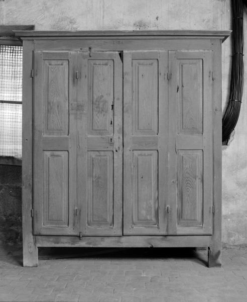 armoire n° 7 (armoire à médicaments)