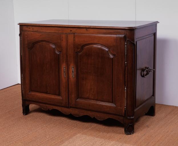 Armoire à linge (2), numéro d'inventaire : 87 GHD 0493