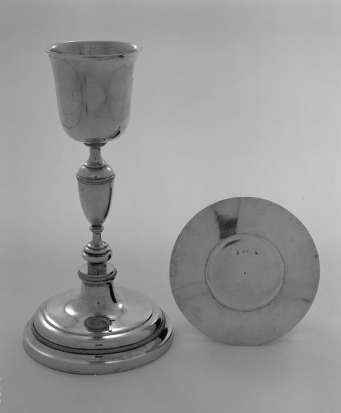 Calice, patène, de monseigneur de Clermont-Tonnerre, numéro d'inventaire : 87 GHD 837