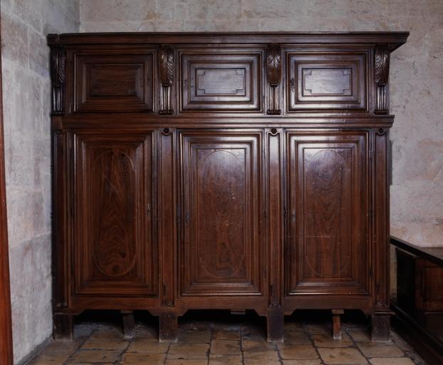 2 armoires (6), numéros d'inventaire : 87 GHD 0021.1, 87 GHD 0021.2