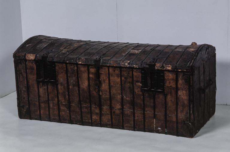 Malle (4), numéro d'inventaire : 87 GHD 1242