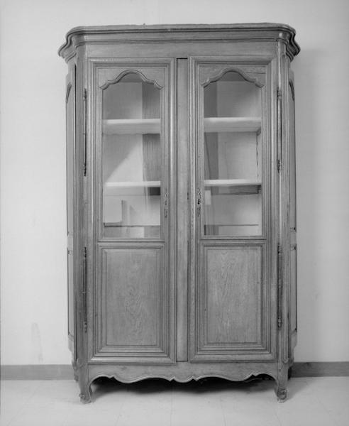 Armoire (armoire à battants de côté) (18), numéro d'inventaire : 87 GHD 0786