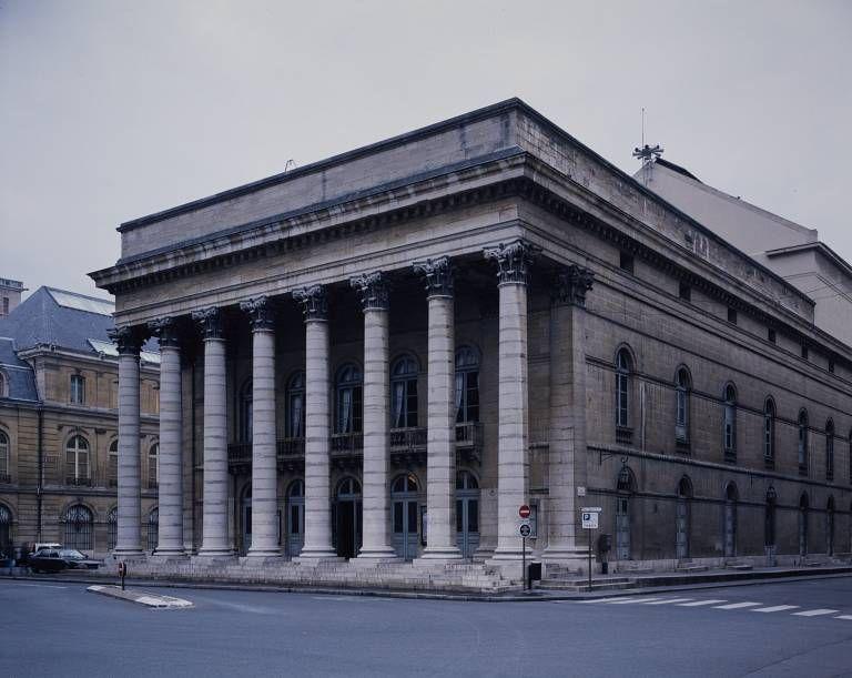 Théâtre Municipal.