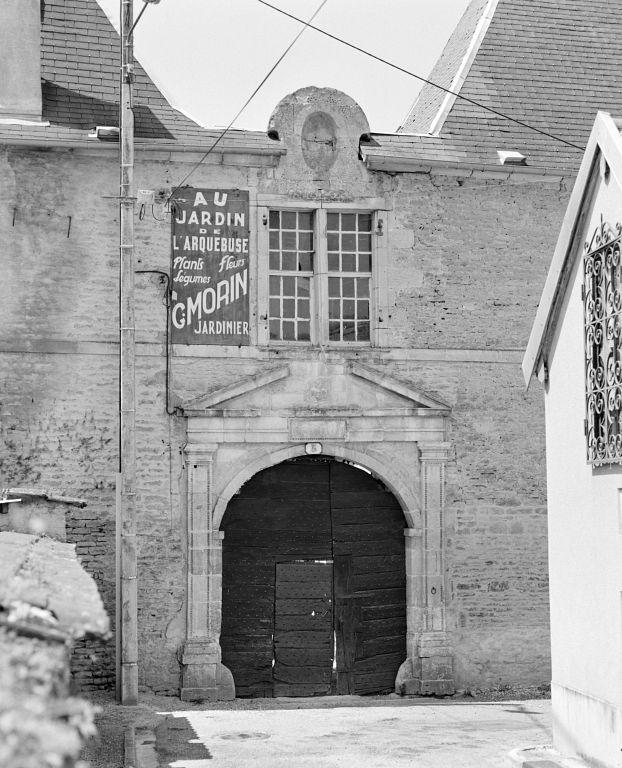 Jeu de l'arquebuse dit Pavillon de l'Arquebuse, actuellement maison