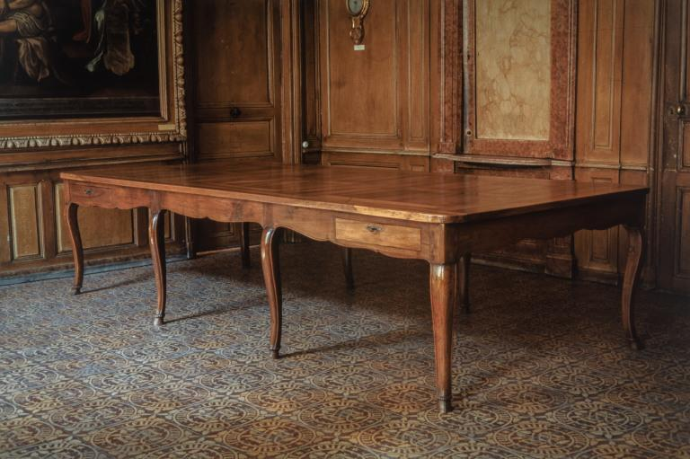 Table (grande table) (38), numéro d'inventaire : 87 GHD 0305