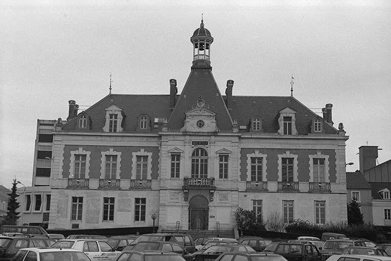 Mairie (paysages du canal du Centre)