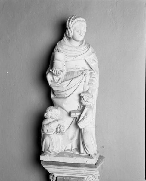 Ensemble d'une statue et deux groupes et de leurs consoles : les trois Maries