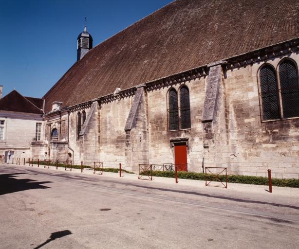 Ancien hôtel-Dieu Notre-Dame-des-Fontenilles, actuellement centre hospitalier et musée