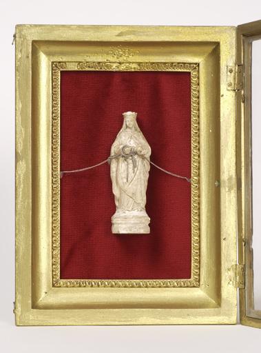 Figurine : sainte Reine