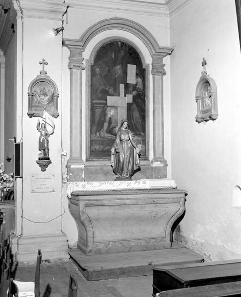 Ensemble des autels et retables des chapelles du transept
