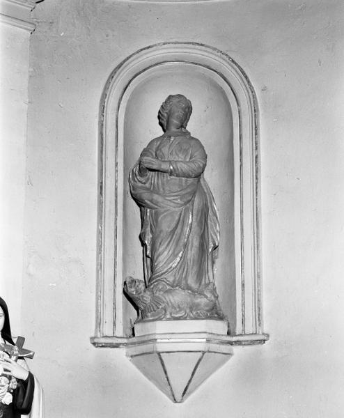 Ensemble de trois statues et d'un groupe sculpté : sainte Marguerite, sainte Catherine, sainte Barbe et Education de la Vierge
