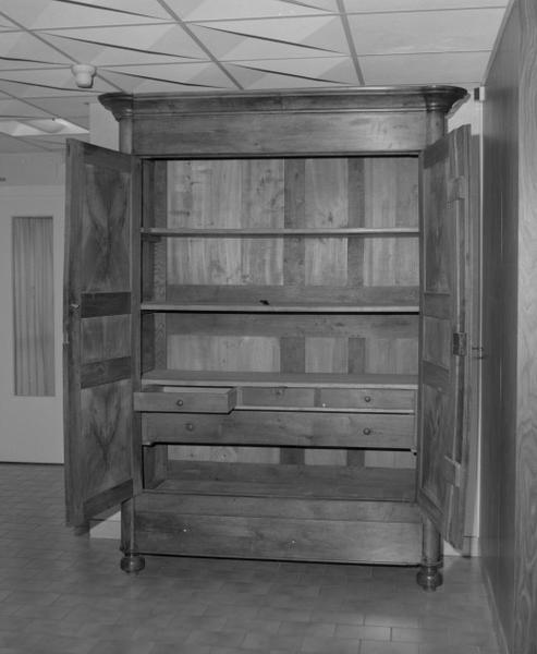 le mobilier de l'hôpital Saint-Nicolas, aujourd'hui maison de retraite