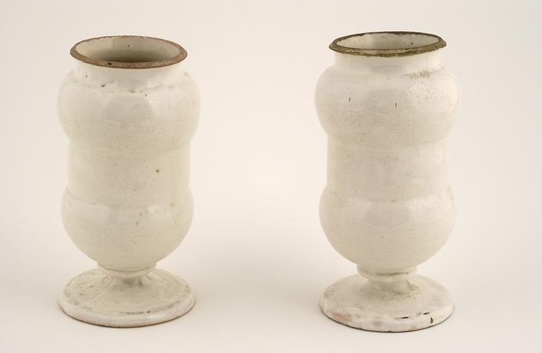 Pots à pharmacie, pots canon (2)
